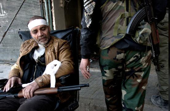 EU、シリア反体制派への武器供与を認める