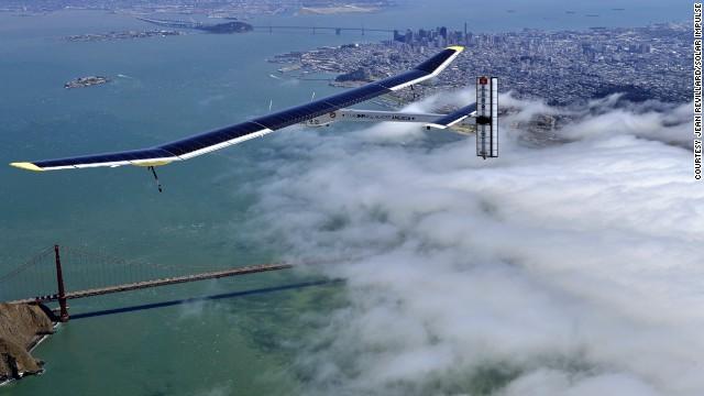 太陽光で24時間飛べる有人機、米大陸横断に挑戦