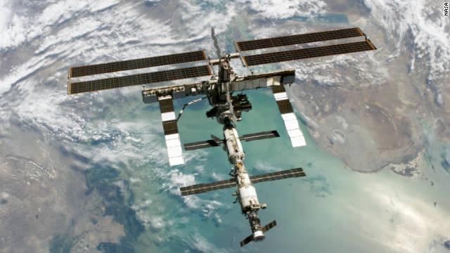 ロシア宇宙船ソユーズ打ち上げ、3飛行士乗せISSへ