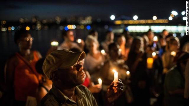 CNN.co.jp : 100万人が署名、公民権法違反での訴追求め 黒人少年射殺