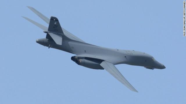 CNN.co.jp : 米空軍のBー1B戦略爆撃機が訓練で墜落