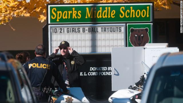 中学校で生徒が銃乱射の末に自殺、教師1人死亡 米ネバダ州