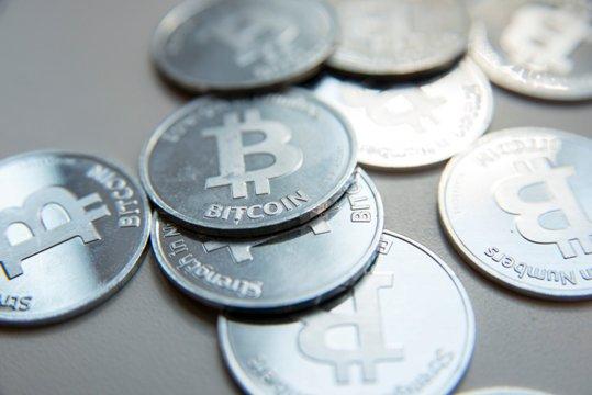 ビットコイン急騰の背景に中国あり 習近平主席、いまや「仮想通貨の父」と呼ばれる存在に(ひろぴー): J-CAST 会社ウォッチ【全文表示】