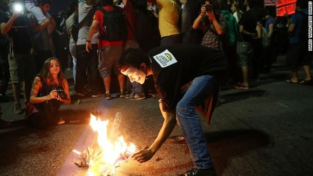 ブラジルでまたW杯反対デモ、開幕まで約1カ月