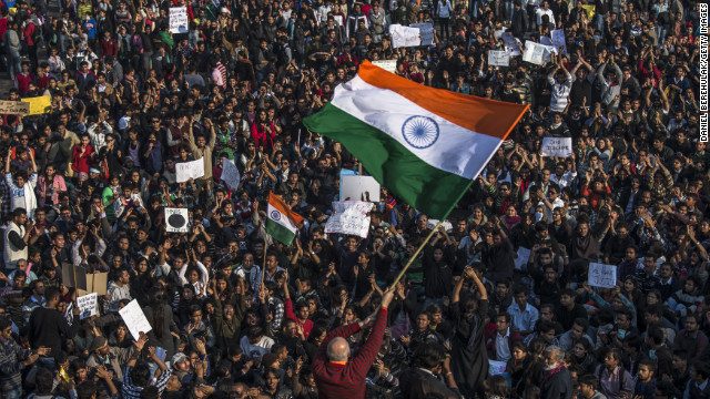 少女2人を強姦殺人か、国内外で非難 インド