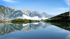 2.八方池(長野)=TOURISM COMMISION OF HAKUBA/JNTO提供<br /> JNTO提供