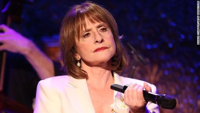 ブロードウェー女優が観客に激怒、携帯奪い取る