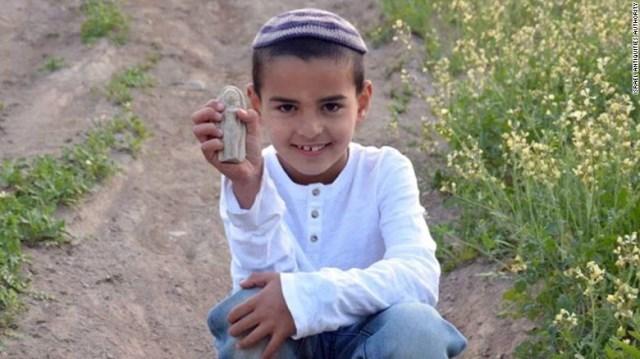 7歳の少年が3400年前の女性像を発見 イスラエル