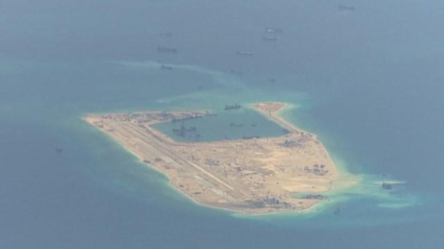 CNN.co.jp : 米海軍、航行の自由...