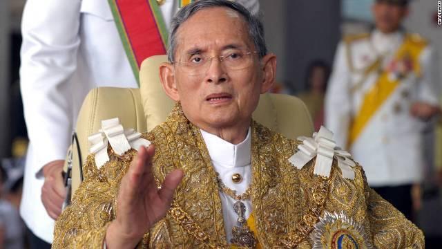 タイのプミポン国王が死去、88歳 王宮が声明発表
