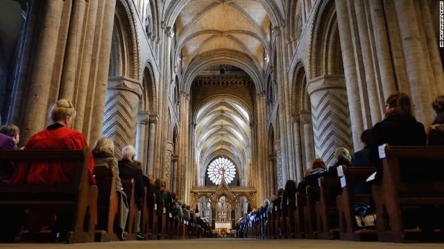 英国国教会、日曜礼拝を廃止か ...