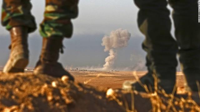 df435300b53e ... に支配されているイラク北部モスルの 奪還作戦で、 同国北部クルド地域政府の 治安部隊ペシュメルガは23日までに同市から8キロの 地点に迫った。