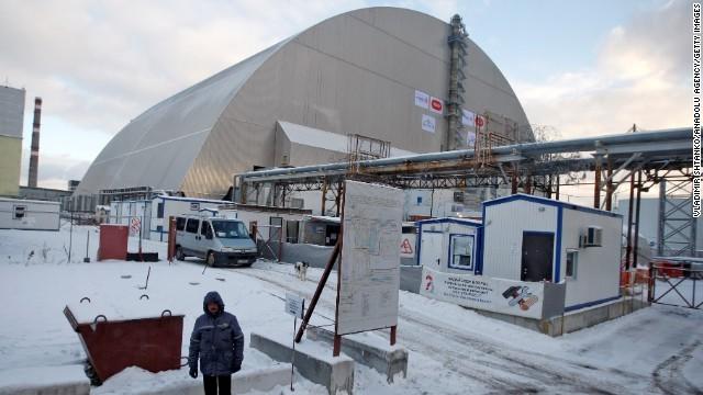 チェルノブイリ、新シェルターを設置 「石棺」老朽化で