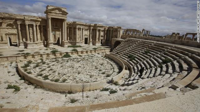ISISに占拠される前の円形劇場