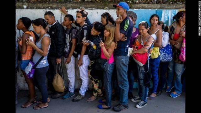 CNN.co.jp : 経済苦境のベネズエラ、「頭脳流出」が加速 1年で20万人