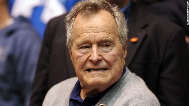 父ブッシュ氏、肺炎で再入院 治療を受け症状は改善