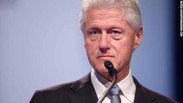 CNN.co.jp : クリントン元大統領、人気作家と小説を共同執筆 来年発売