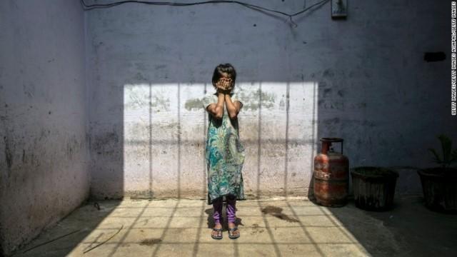 インド 14 歳 の 少年