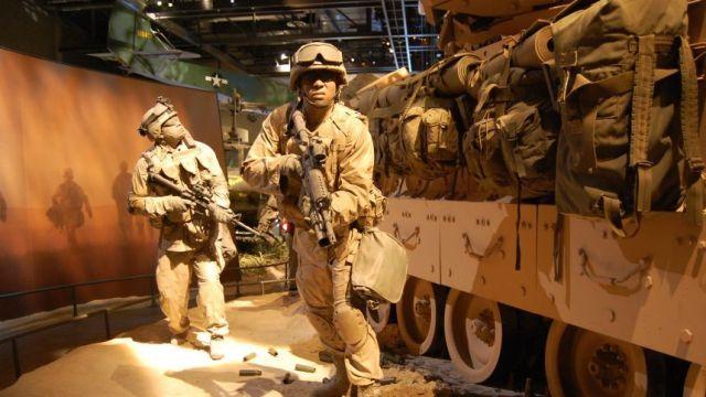CNN.co.jp : 写真特集:世界の軍...