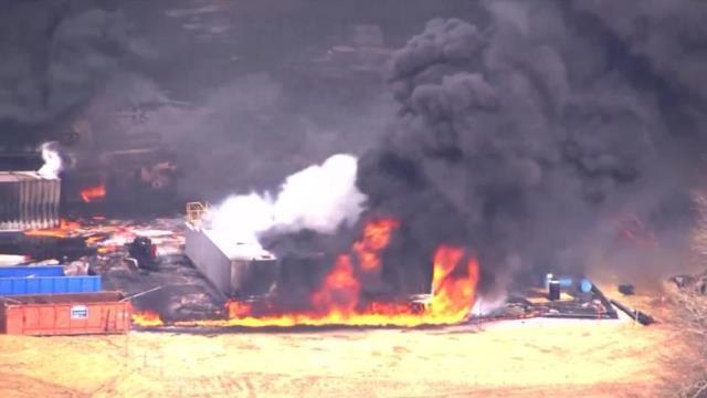 CNN.co.jp : ガス井爆発事故、作...