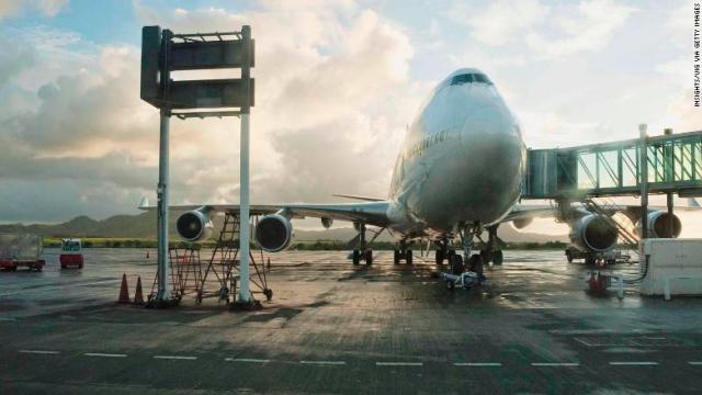 サー・シウサガル・ラングーラム国際空港