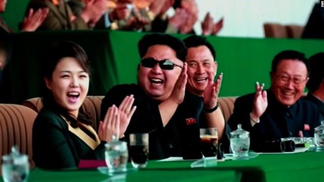 CNN.co.jp : 李雪主氏に「ファーストレディー」の肩書、権力構造に変化か