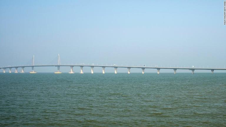CNN.co.jp : 世界最長の海上橋「...