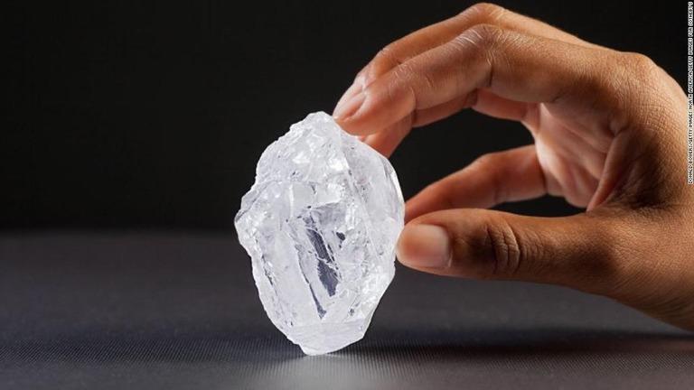 CNN.co.jp : 地殻に眠るダイヤの総量は1000兆トン、国際研究チームが推計