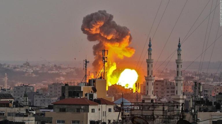 イスラエル軍がハマスの拠点を空爆、停戦回復の報道も ガザ