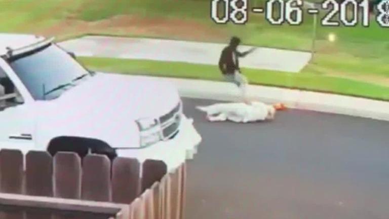 【米国】襲撃犯「自分の国に帰れ」 シーク教徒襲撃が1週間で2件、憎悪犯罪か 被害男性「ターバンが命を救ってくれた」 YouTube動画>1本 ->画像>22枚