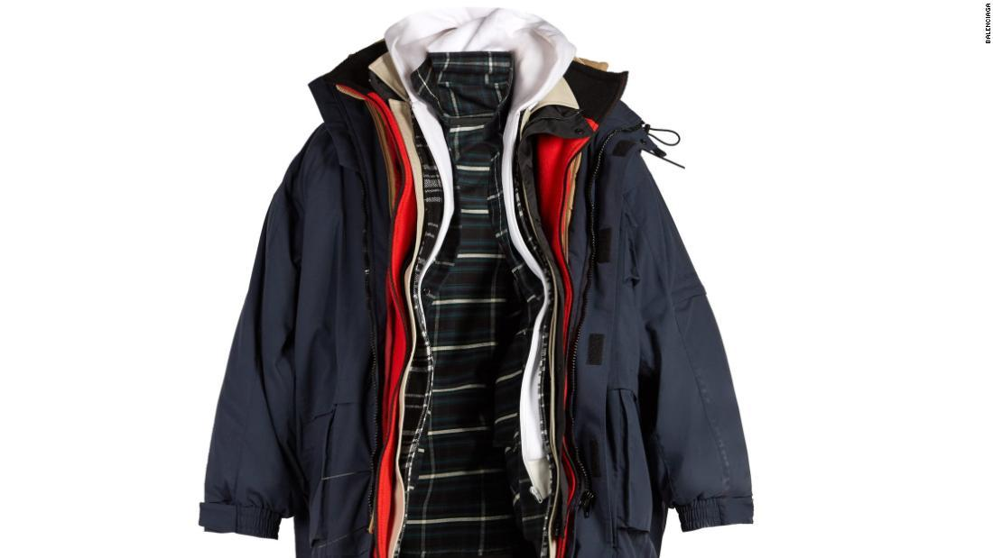outlet store 951bb 70b00 CNN.co.jp : コート7枚重ね着?、バレンシアガがジャケット発売 ...