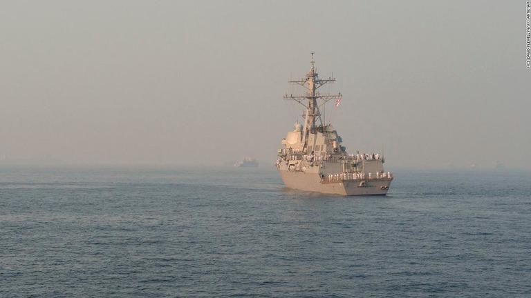 米駆逐艦、日本海で航行の自由作戦 ロシアをけん制