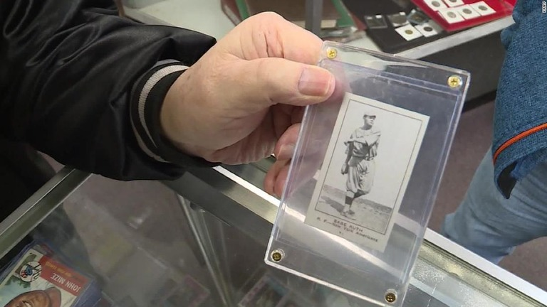https://www.cnn.co.jp/storage/2019/02/16/6c659b7efa3b423226776252d1e008cf/t/768/432/d/man-buys-babe-ruth-card-for-two-dollars-super-169.jpg