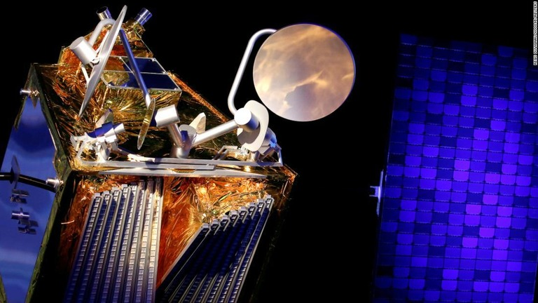 宇宙からネット接続を、米企業が衛星打ち上げ 来年にもサービス開始へ