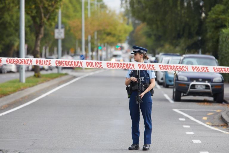 NZ銃乱射の動画拡散、ソーシャルメディアが対応に追われる  [617981698]->画像>8枚