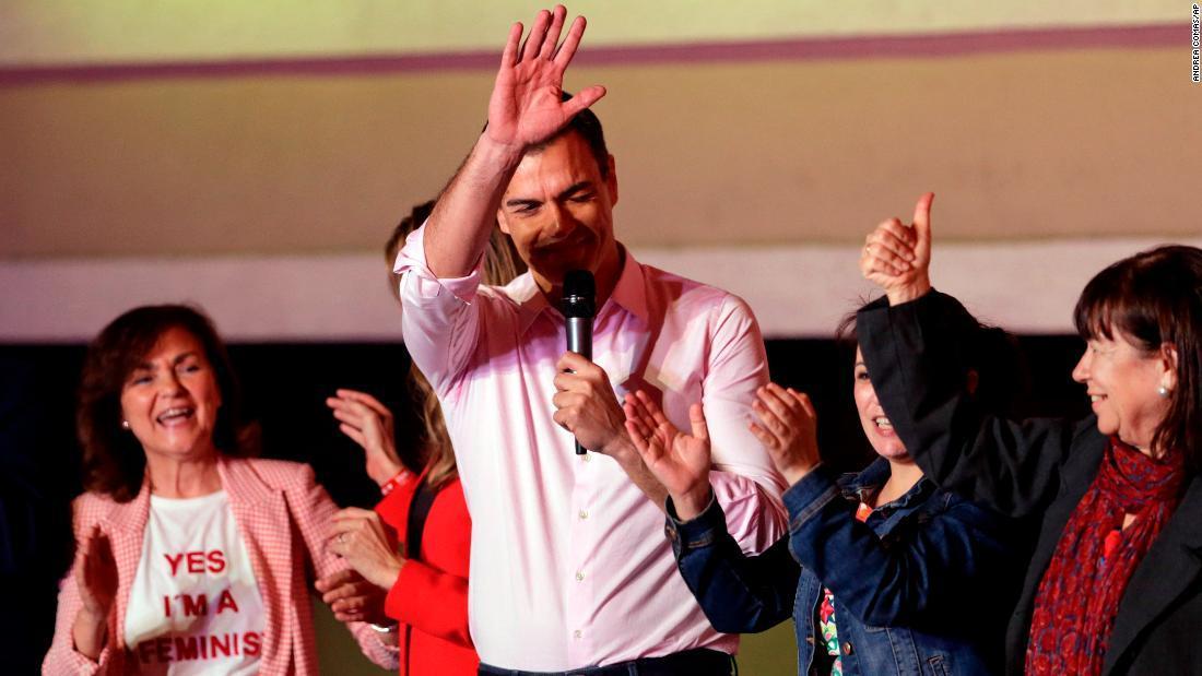 CNN.co.jp : スペイン総選挙、与党勝利も過半数に届かず 新興極右が躍進