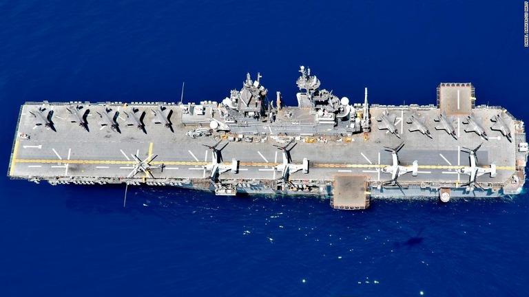 米海軍の強襲揚陸艦「ワスプ」/DANIEL BARKER/US NAVY