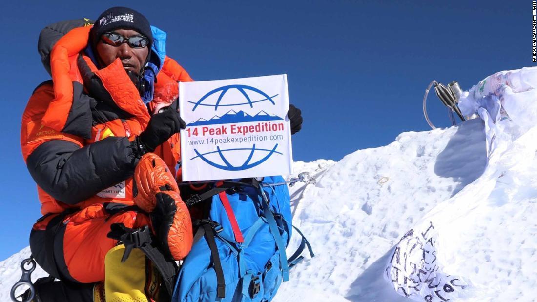 CNN.co.jp : エベレスト登頂、最多記録を24回に更新 ネパール人登山家
