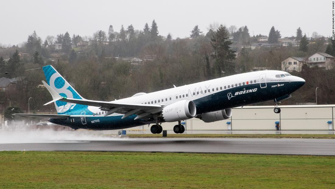 CNN.co.jp : ボーイング737MAXに新たな欠陥、運航再開さらに ...