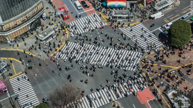 https://www.cnn.co.jp/storage/2019/08/11/3e19772afc71e4bb15a4e63eb76349cd/shibuya-crossing-tokyo-001.jpg