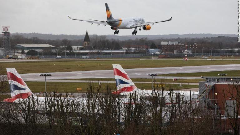 CNN.co.jp : 旅客機がドローンとニアミス、回避行動強いられる 英 ...