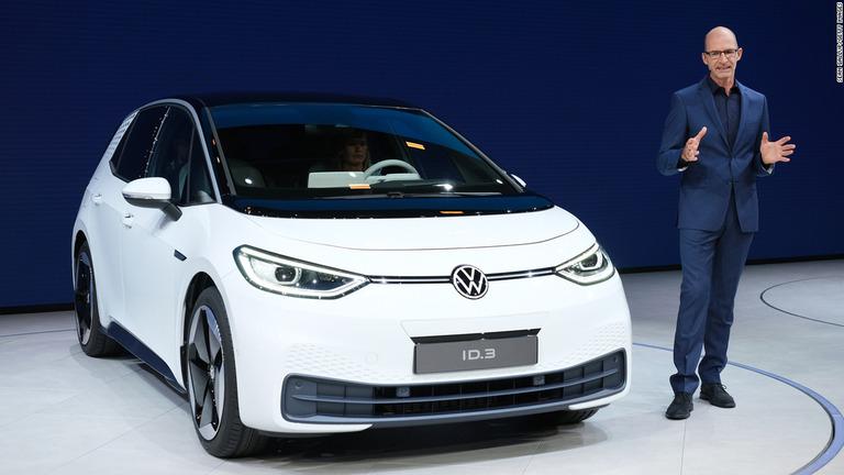 独VW、小型EV「ID.3」を発表 最長550キロ走行