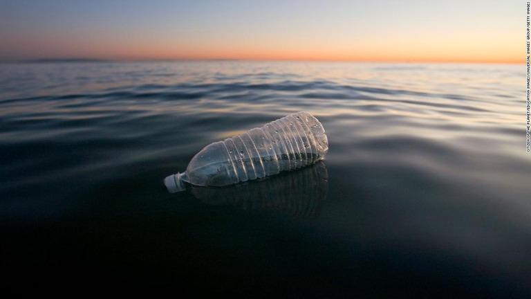 生分解性プラスチック、海洋汚染を悪化させる恐れも 英議会報告書