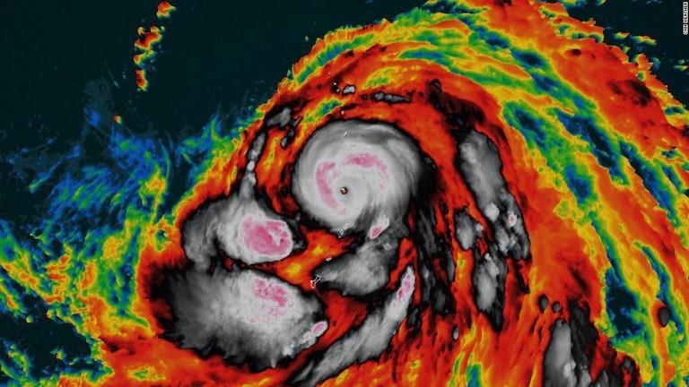 【CNNもびっくり】台風19号が勢力急拡大、24時間で風速45メートル増「スーパー台風」に