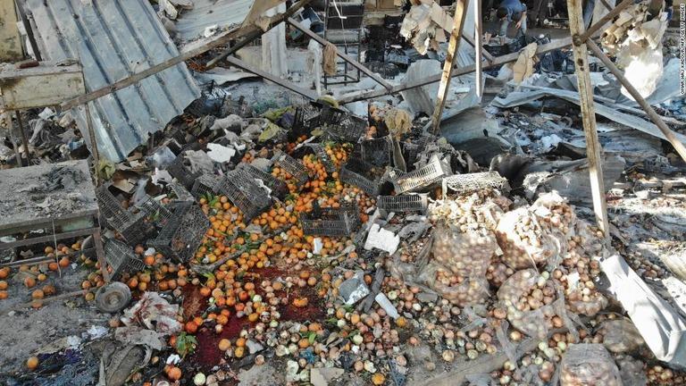 CNN.co.jp : シリアで相次ぐ市場の空爆、子ども12人含む19人死亡