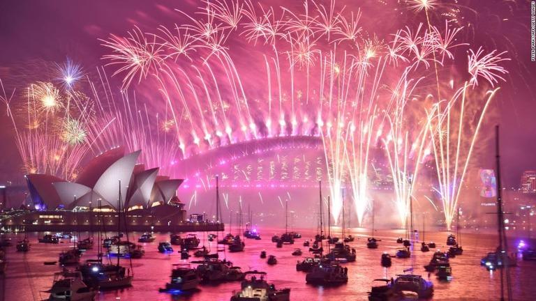 CNN.co.jp : シドニーの大みそか花火大会、実施へ 森林火災中の開催に批判