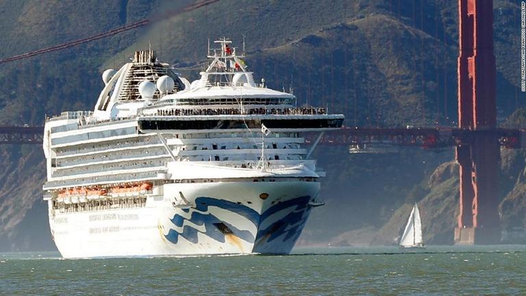 CNN.co.jp : 米沖のクルーズ船、21人が新型コロナ陽性 ペンス副大統領
