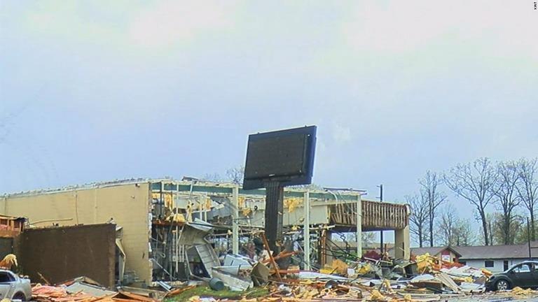CNN.co.jp : 竜巻で22人負傷、住宅や商業施設が倒壊 米アーカンソー州
