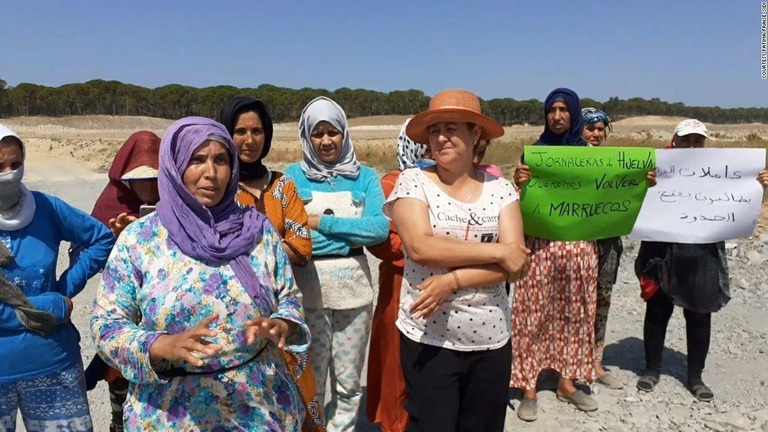 モロッコの出稼ぎ労働者7200人、スペイン国境封鎖で足止め