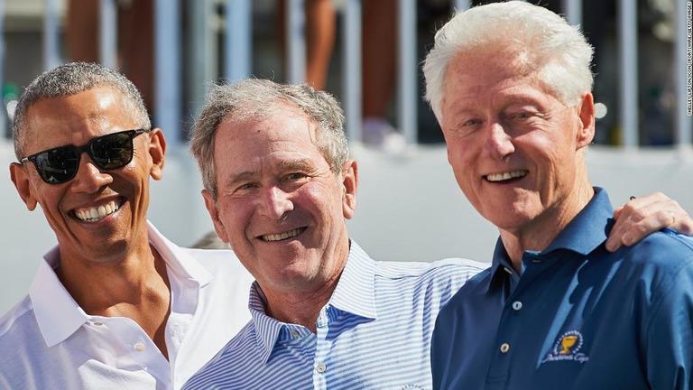 CNN.co.jp : 大統領経験者のオバマ、ブッシュ、クリントン3氏が公開 ...